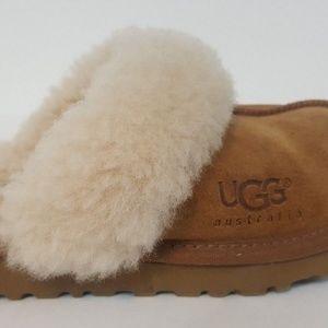 UGG Australia Girl Moccasin Sheepskin Slipper Sz 1